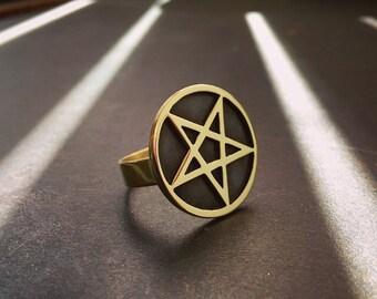 Brass Pentagram Ring / Occult Pentacle Rings / Satanic Jewelry / Wiccan Jewellery / Geometric Magic Talismans / Dark Art / Black Metal