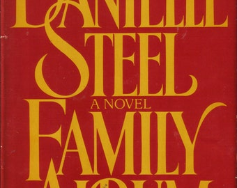 Family Album by Danielle Steele, 1st Print, 1985, Delacorte, with dust jacket