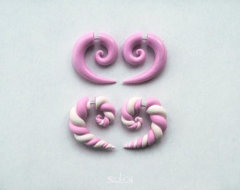 Fake gauge earrings pink