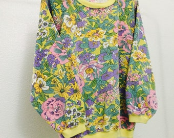 Vintage Blooming Flowers Sweatshirt