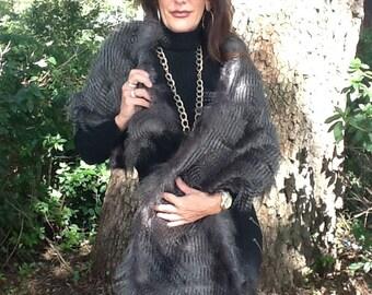 Faux Raccon Fur in Grey!