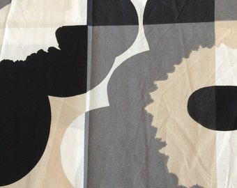 Marimekko printed fabric - grid poppy print