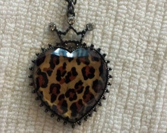 Leopard heart necklace