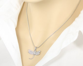 Dragonfly Charm Necklace, Bug Jewelry, Dragon Fly Necklace, Insect Jewelry, Silver Tone Bridal Pendant Necklace, Bridesmaid Gift