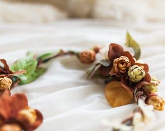 ARWEN - flower crown, wedding crown, leafy bridal headpiece, rustic flower hairpiece, fall bride, bridal wreath