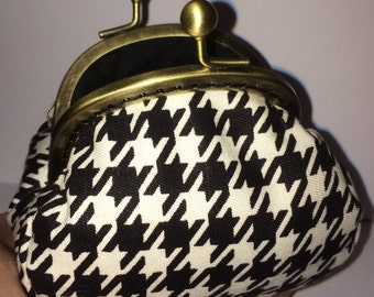 Purse, Coin Purse, fabric purse, framed purse, clasp purse, black and white purse