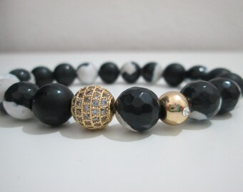 Onyx, agate, white agate and black, bracelet white and black, white and black agate bracelet and Onyx semiprecious stones, gold Micropave