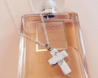 Marble cross pendant necklace. Made with howlite precious stone and silver plated chain
