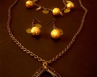 Bronze and golden chain necklace set