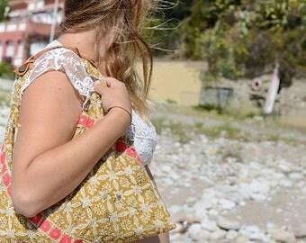 "Bag ""Pyaar"" origami - inspired India/Bohemian embroidery"