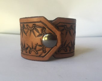 Size Small Brown Leather Cuff