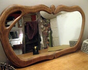 Wood mirror. Organic shape. Specchio legno. Fatto a mano. Made in Italy