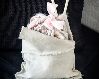 Scarf knit Kit with particular type yarn