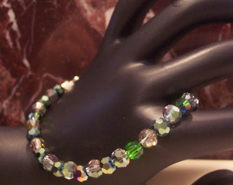 Sparkle and shine! If you love sparkly and shinny things then you will love this little bracelet.