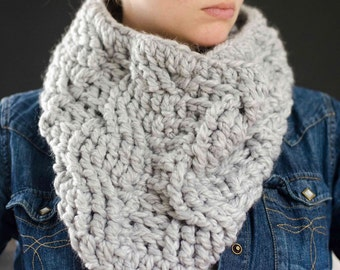 Cabled Cowl. Chunky Cowl. Chunky Scarf. Cowl Neck Scarf. Cowl Scarf. Cowl. Scarf. Crochet Cowl. Crochet Scarf. Loop Scarf. Chunky Cowl Scarf