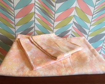 Vintage Double Flat Sheet with 2 Pillowcases