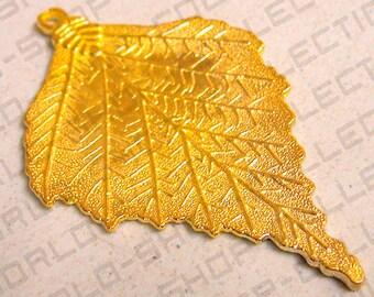 3X2 ,Beauty Leaf Pendant, Alloy Gold Color,