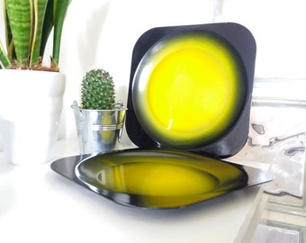 Enamel metal plates | Mid Century Modern, black and yellow