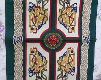 Gorgeous Vintage IRISH LINEN Tea Towel.