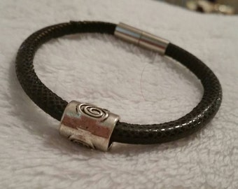 Bracelet magnetic closure