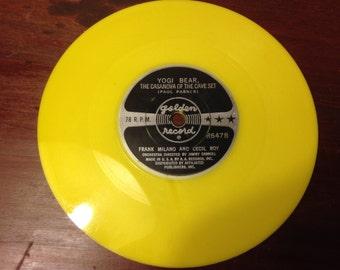 YOGI BEAR, VINTAGE Music, 6'' Record, Plastic Record, Golden Records, Hanna Barbera, Cindy Bear