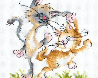 Cross Stitch Kit Let's Dance  (Cats)