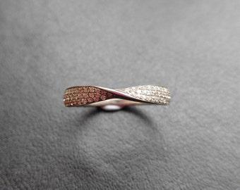 R21374 - Handmade Twist Band Ring