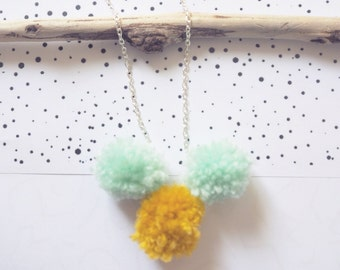 Necklace pomponné | Mint & mustard