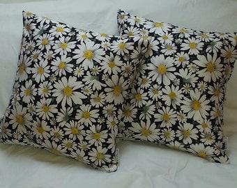 """New! Pair of """" DAISY"""" Cushions!"""
