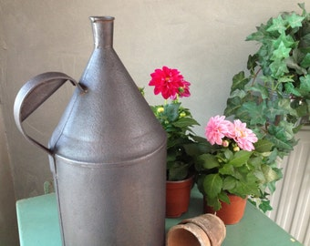 Small watering can metal