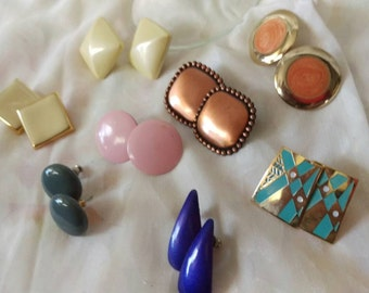 You've got three choices in life, give up, give in, or give it all you got! Here's a group of go getters! 8 amazing vintage earrings