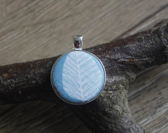 Leaf print pendant, leaf necklace, leaf jewellery, left gift, leaf print, cameo necklace, nature jewellery