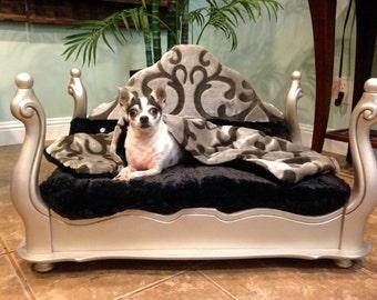 Repurposed Elegant Pet Bed