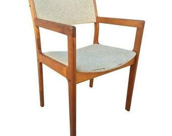 danish chair mid century, in good condition