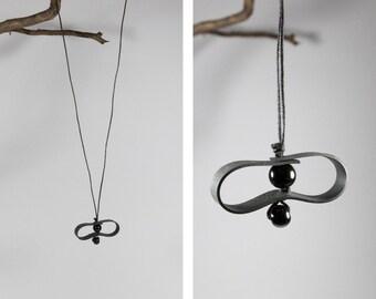 Necklace, bassin folie, bead