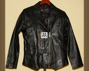Curvas: Light weight, Full grain Traditional Leather Jacket for Women