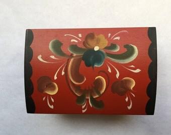 Small, hinged, rosemaling trinket box