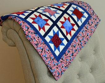 Patriotic Stars and Flags, Blue and Red Tabel Square Quilt
