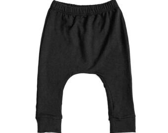 baby leggings, black baby leggings, baby pants, toddler leggings, bamboo, knit, black, boy, girl, neutral