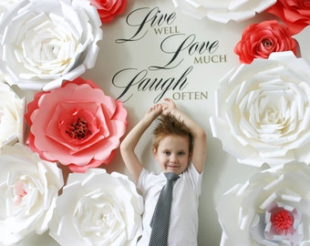 Paper Flower Backdrop / Giant Paper Flowers backdrop / Paper Flower Wall / Large paper flowers / Wedding Wall / Wedding Arch