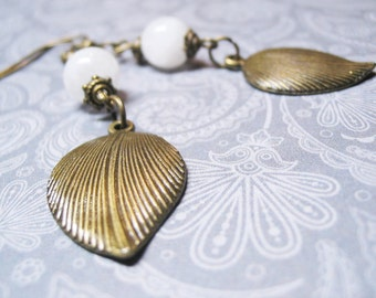 Rainbow Moonstone Earrings-Vintage Earrings-White Earrings-Dangle Earrings-Gemstone Earrings-Romantic Earrings-Antique Charm-Womens Gift