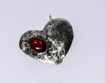 925 silver pendant with amber, heart