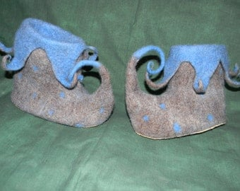 Jester Slippers Size2