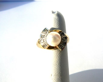 Art Deco Genuine Pearl and Diamond Ring Set in 14K Yellow Gold