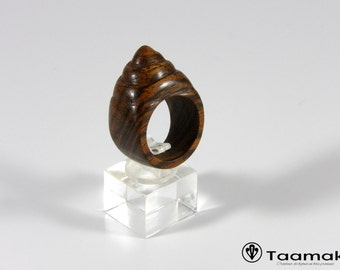 Guyana Bocote ring carved shell