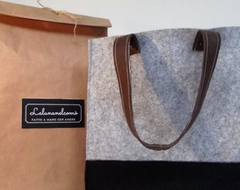 "Bag ""La minimalist M"" in felt with leather handles"