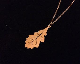 Fine silver oak leaf on a classic silver chain