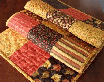 Quilted Fall Table Runner, Quilted Thankgiving Table Runner, Phenomenal Fall, Fall Table Runner, Yellow Tan Brown, Thanksgiving Table Topper