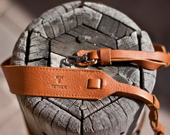 Tan Leather Camera strap with personalization and Easy Connect Clips - for DSLR or SLR camera, Camera strap for Nikon, Canon, Sony
