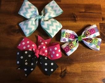 Price drop! 3 pretty bows for 10.00